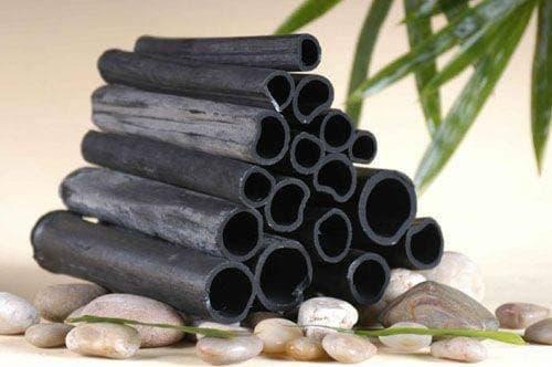El carbón de bambú ayuda a eliminar el acné